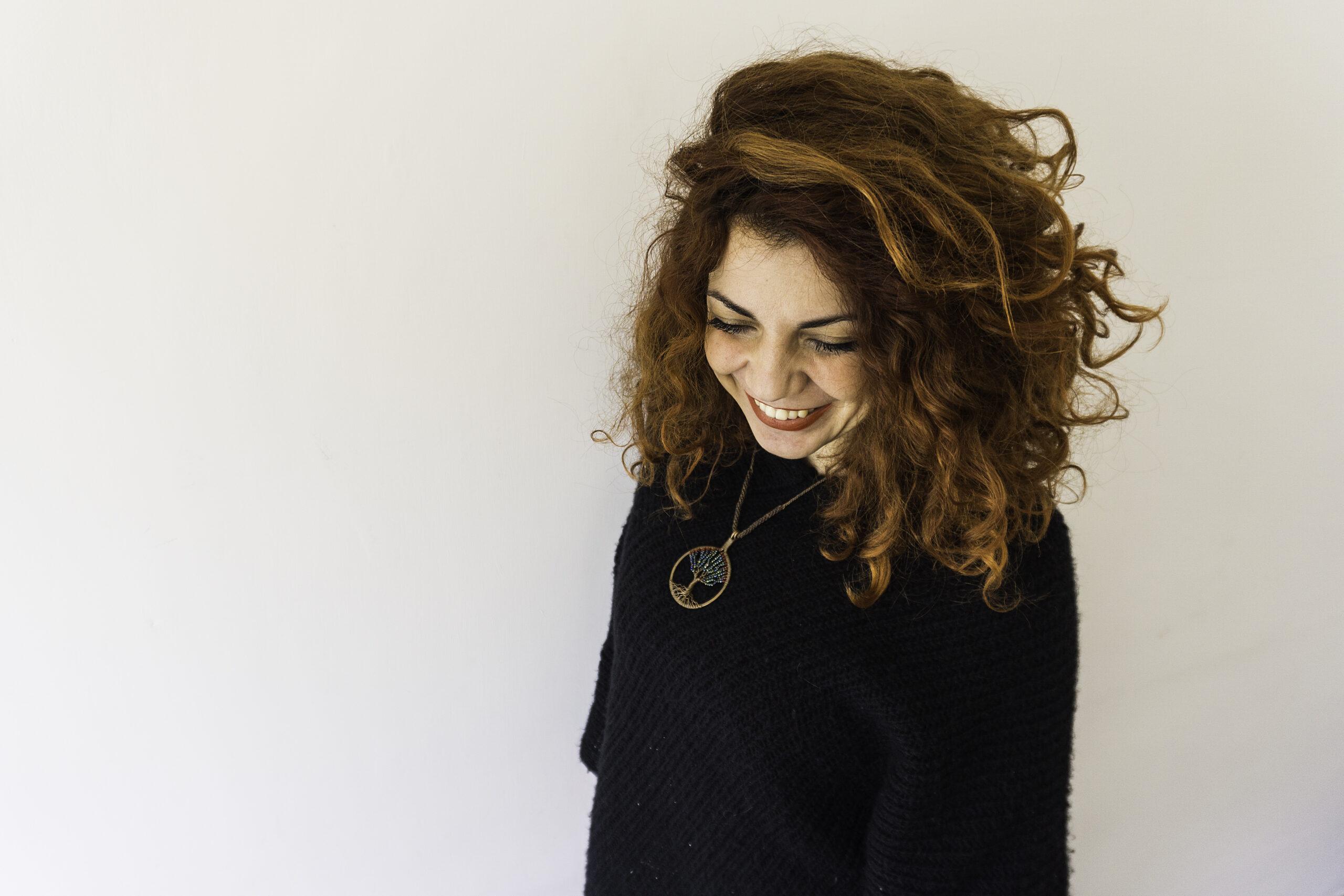 https://www.destinarti.it/wp-content/uploads/2020/02/Giorgia-in-piedi-sorridente-scaled.jpg